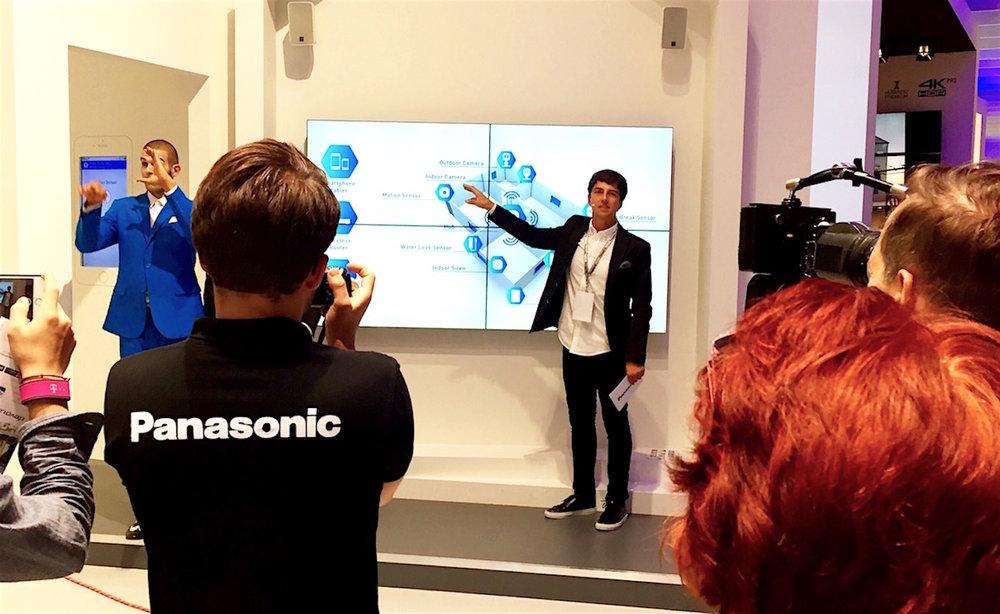 1_Harald_Greising_Moderator_Panasonic.jpg