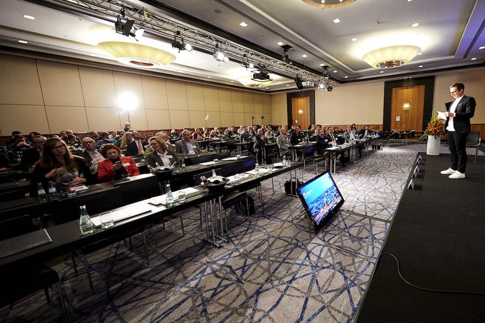 13_Harald_Greising_Moderator_Kommunalkongress_NRW_2018.jpg