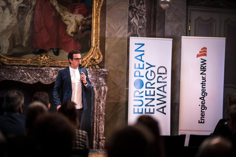 12_Harald_Greising_Moderator_European_Energy_Award_2018.jpg