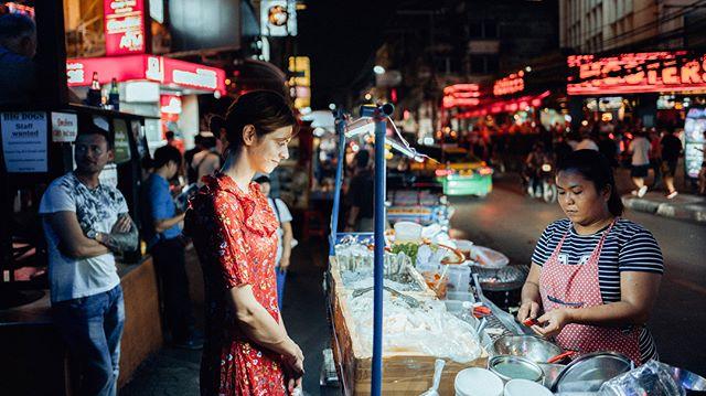 #nana #nightphotography #nightshot #nightmarket #leica #streetfood