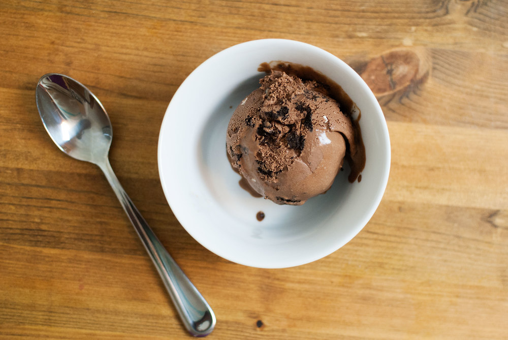 dark-chocolate-bourbon-ice-cream-03