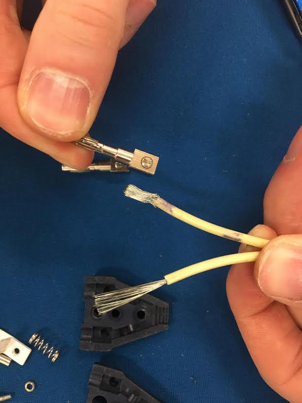 Note the top wire folded back on itself allows it to fit snugly in the pin.