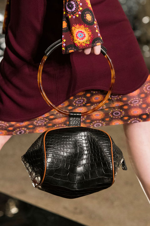 hbz-trends-2017-accessories-bags-hand-held-bags-givenchy-clp-rs17-6105.jpg