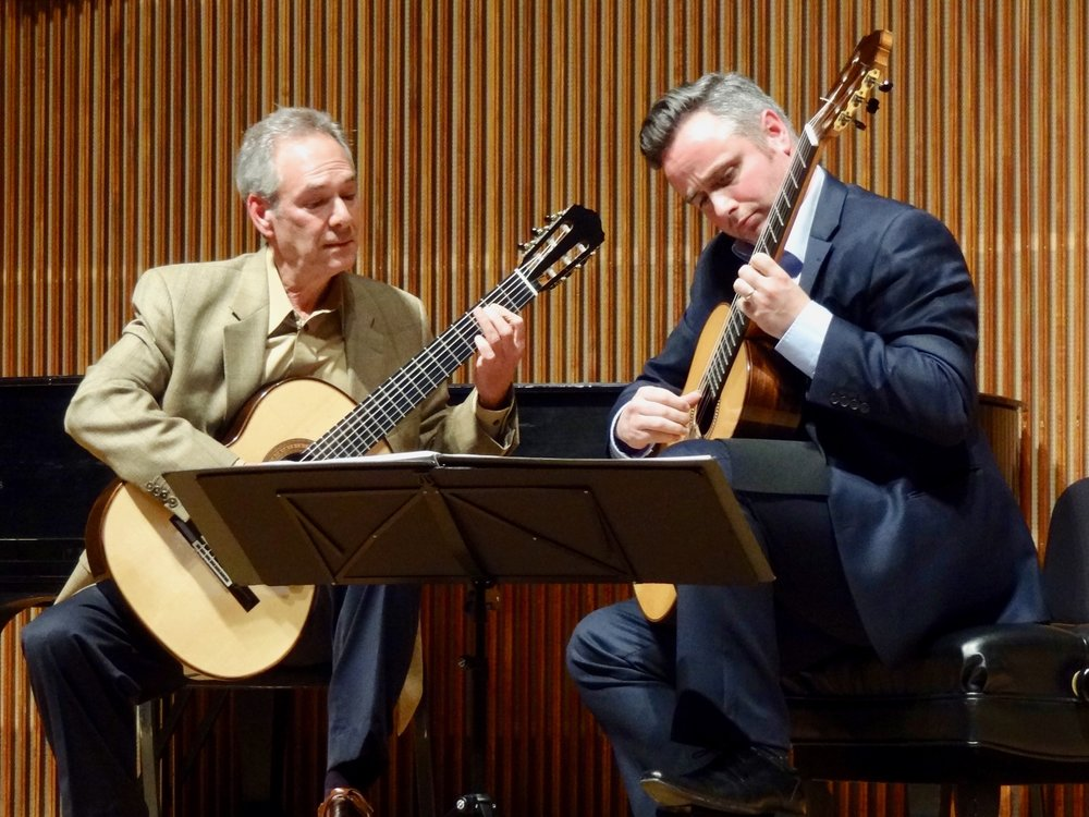 Joining him on stage, Stephen Aron plays duet partner.