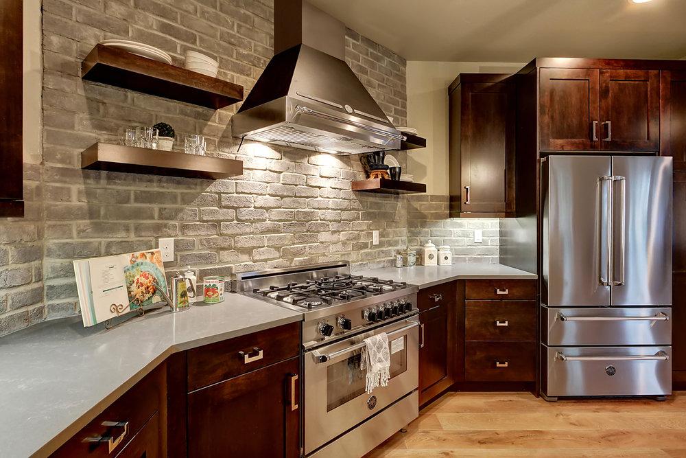 5-bedroom-SBG-Home-for-sale-maple-valley-10_1.jpg