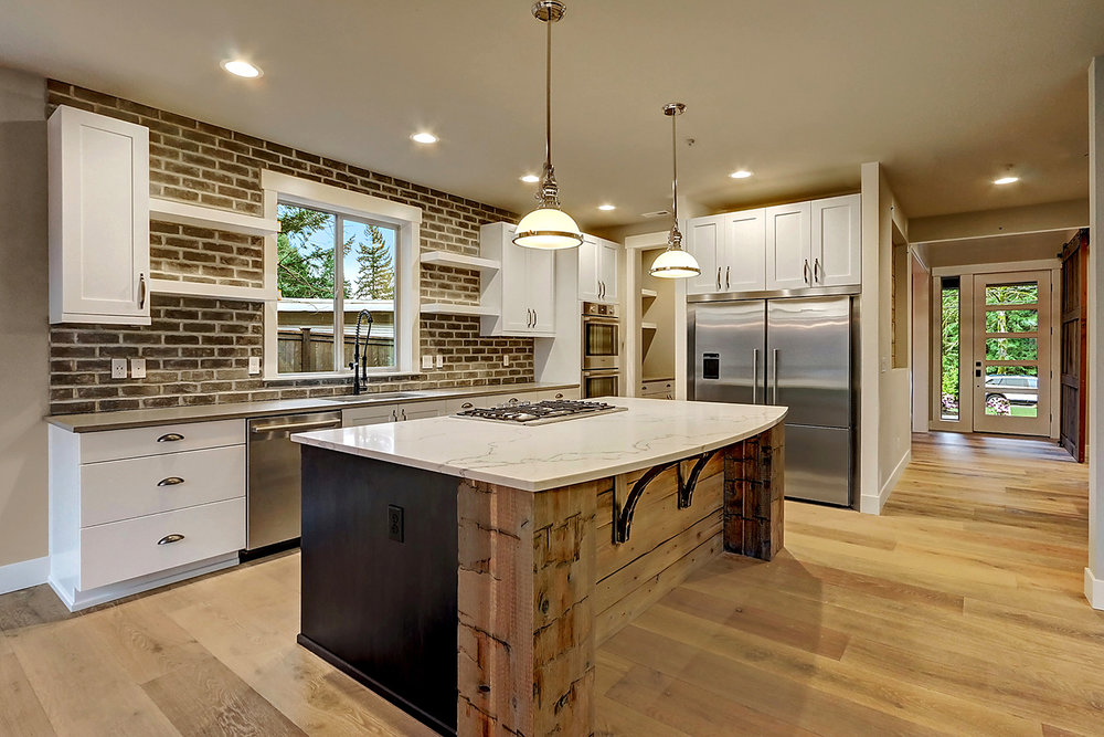 Gourmet Kitchen Includes High-end Thermador appliance package