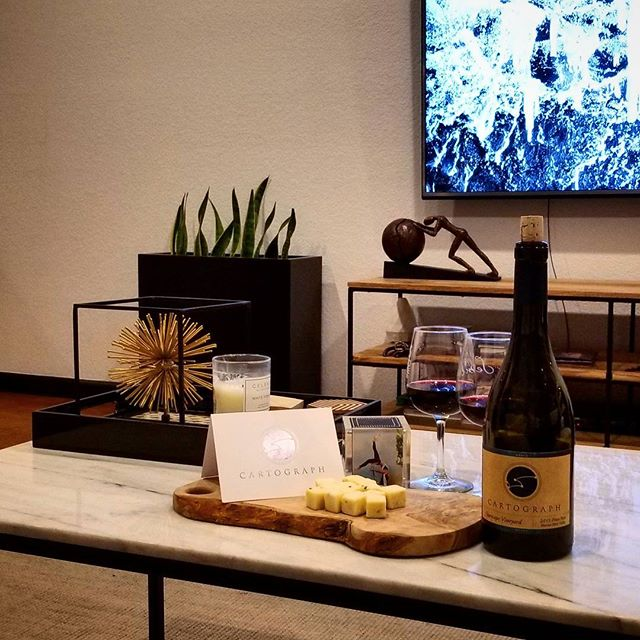 Wine-ding down this #winewednesday with @karissaysonmba + great pinot noir 🍷 from our friends Serena & Alan @cartographwines next time you visit Sonoma stop by their tasting room in Healdsburg for a treat!