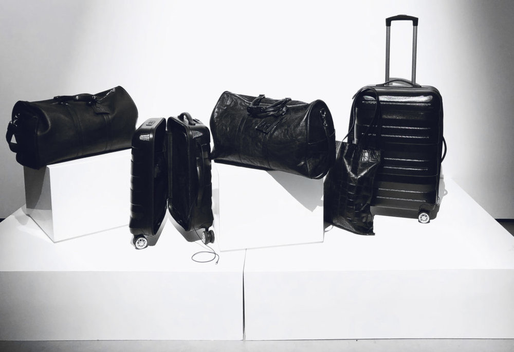 . We previewed our luxury luggage collection. Each piece is made to order and crafted with the utmost care. We took into account design visibility, function and shape as well as the size of international requirements while making our travel set.
