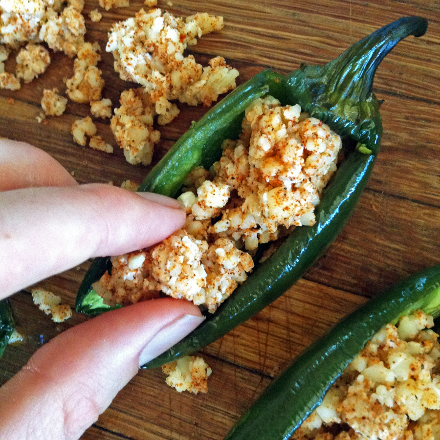 stuffed jalapeno peppers and easy jalapeno poppers recipe