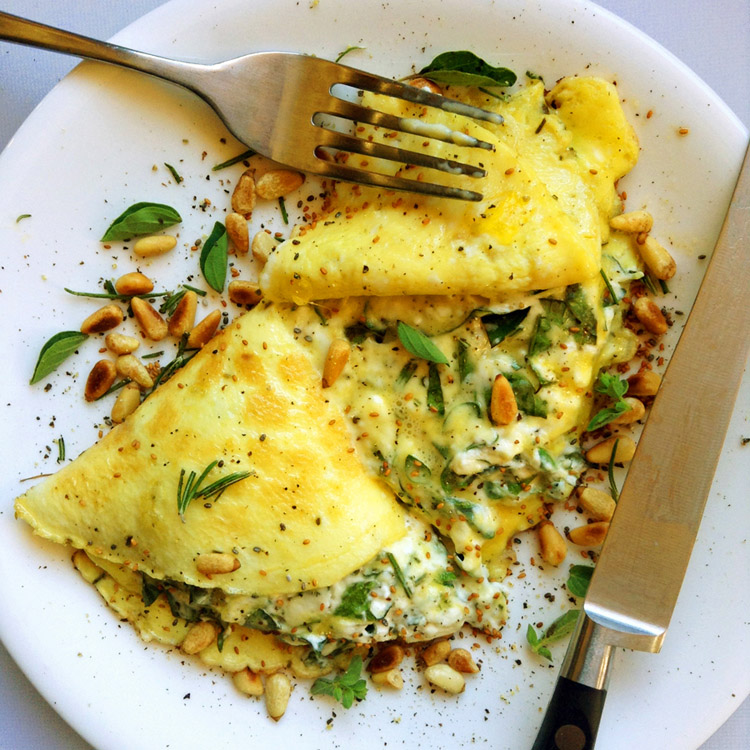 More keto omelet recipes for ketogenic diet breakfast. Use cream cheese as a low carb ingredient.