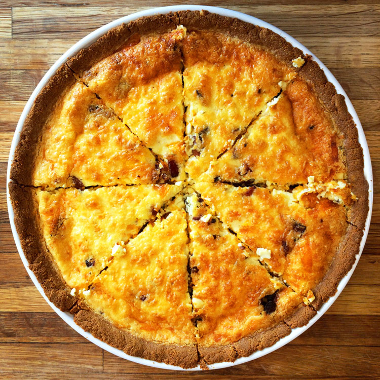 Easy quiche lorraine for the ketogenic diet. Make this keto quiche recipe for breakfast meals.