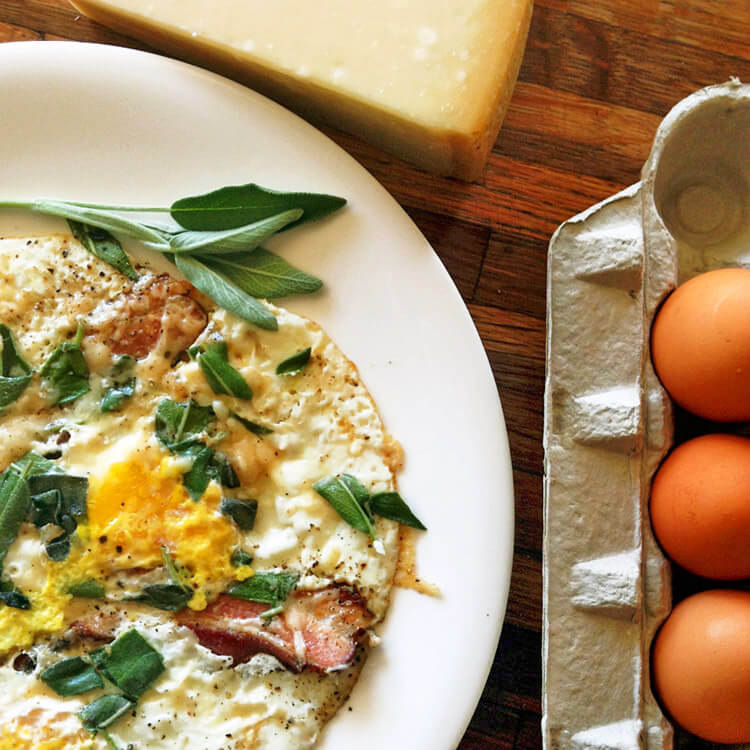 Keto breakfast eggs recipes for weight loss on your ketogenic diet. Make these easy keto breakfast recipes with eggs.