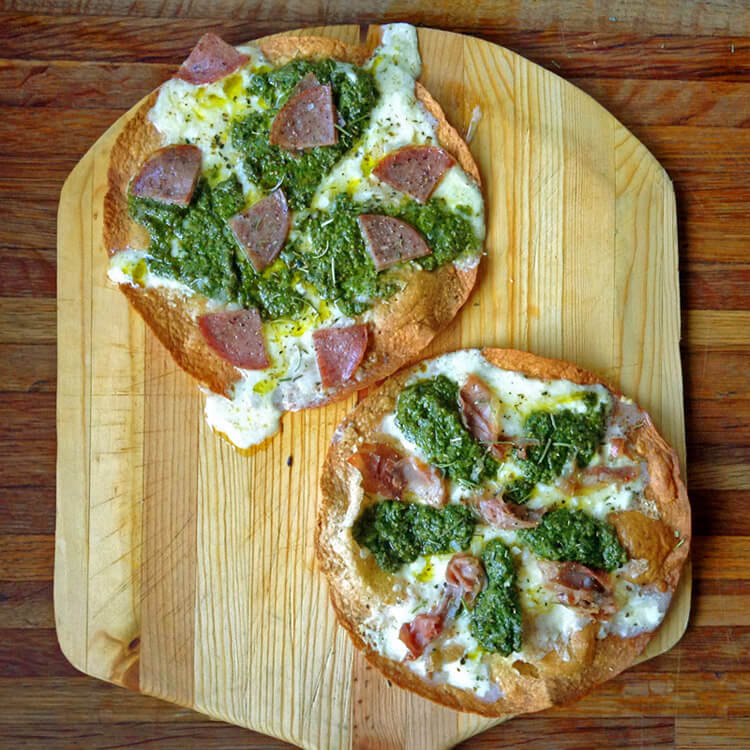 Easy keto dinner recipe with pizza and pesto. Make this low carb dinner on the ketogenic diet with high fiber tortillas.