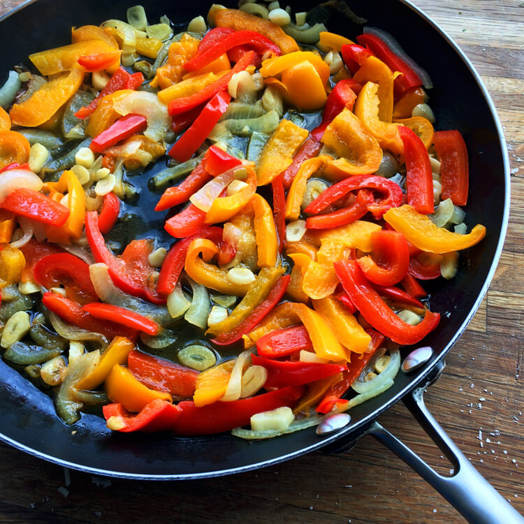 Italian sausage and peppers recipe for the keto diet. Make this easy dinner with ketogenic ingredients like peppers.