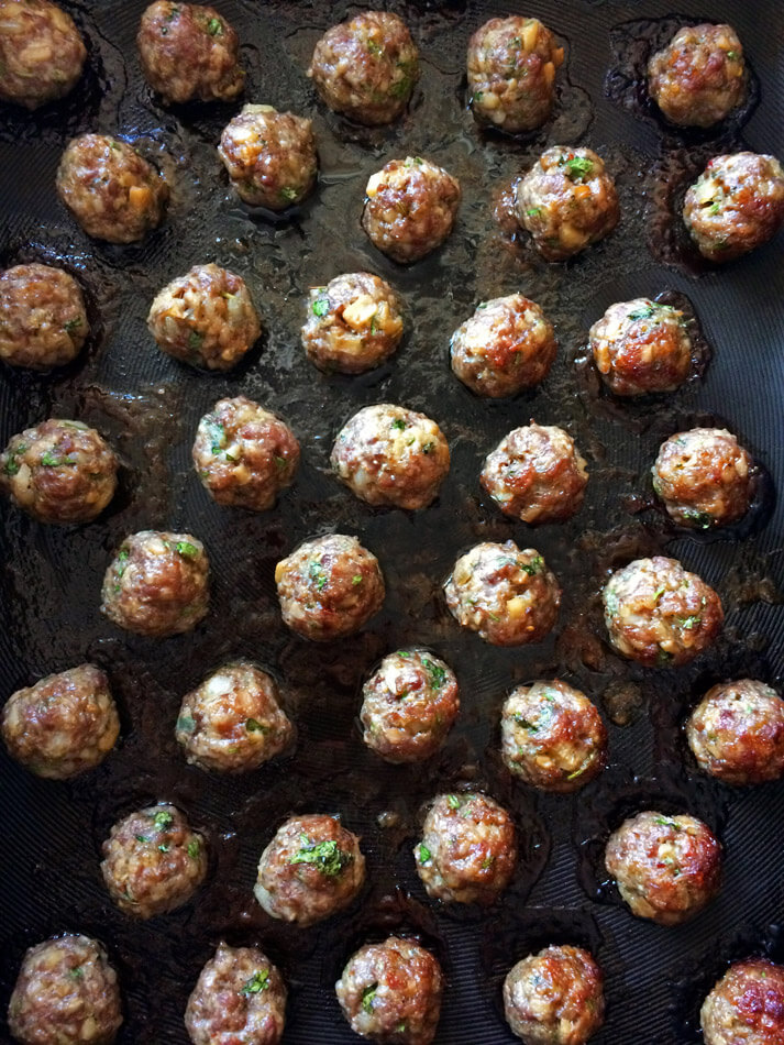 Delicious keto asian meatballs for dinner. Make this low carb recipe on the ketogenic diet.