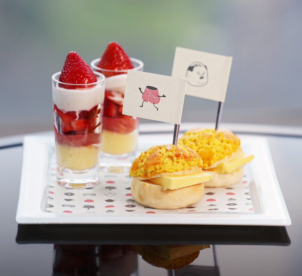 Fresh Strawberries Trifle & Pineapple Bun with Butter.jpg