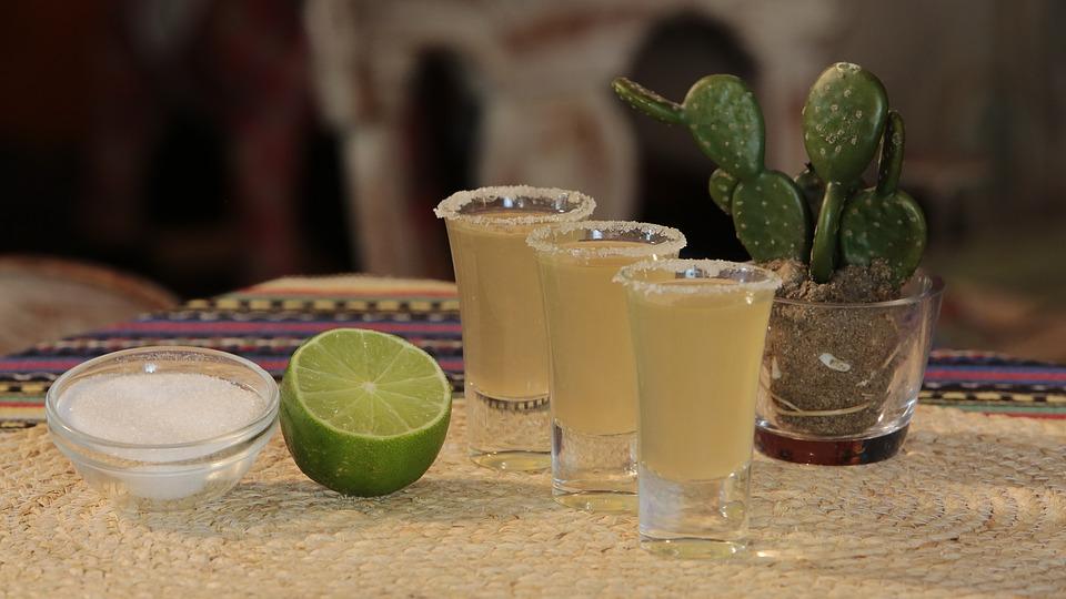 tequila y sal.jpg