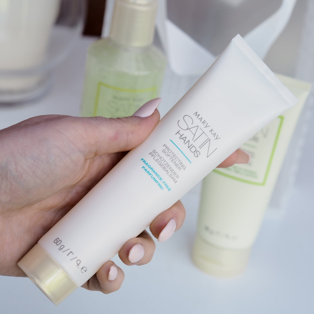 Mary Kay Satin Hands Protecting Softener