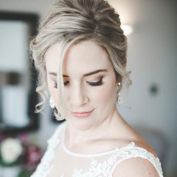 """Just wanted to say a HUGE thank you for everything. You were truly a joy to meet and you so got me and what we wanted for the day. I felt like an absolute princess!!"" - It is brides like @pollys88 that make me love my job! ... I chose this career because I wanted to make people feel beautiful... there's no better feeling 😍💕 Thank you for having me Polly I loved every minute of helping you get ready 😘  This post wouldn't be complete without mentioning the incredibly talented Hannah @funkyphotographers not only does she take beautiful pictures, she is an absolute BABE! 💕 #realbride #realwedding #Oxford #bride #bridalhair #bridalmakeup #naturalmakeup #wedding #weddingday #funkyphotographers #photography #makeupartist #hairstylist #cljmakeup"