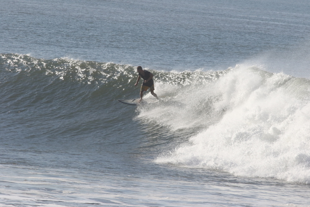 Mitch going down the line, Las Flores