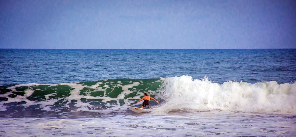 Surfing Sipacate Guatemala