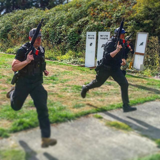 Full speed at our recent #leoriflecourse in #Seattle. These officers are all volunteer patrol riflemen, they commit extra training, time, and energy to carrying a rifle on patrol.  We just finished 7 courses for the SPD and now we head back on the road.  #thinblueline #activeshooter #leo #bluelivesmatter #training #running #lawenforcement #Police #policetraining #rangeday #shooting #pewpewlife #pewpew #jprifle #archwaydefense #ar15 #223 #556 #igmilitia #2a #crusheverything