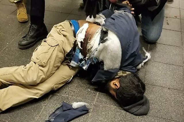 SUSPECT ALIVE: Attempted suicided bomber from #nyc #portauthorityexplosion taken into custody. Reports suggests he claimed #ISIS inspired #terrorist from #Brooklyn #POS #FAIL #breaking #police #counterterrorism #attack