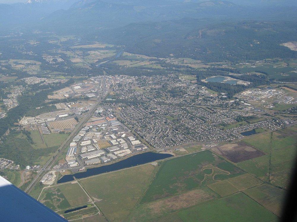 Monroe,_Washington_aerial_view,_looking_east_(2708128762).jpg