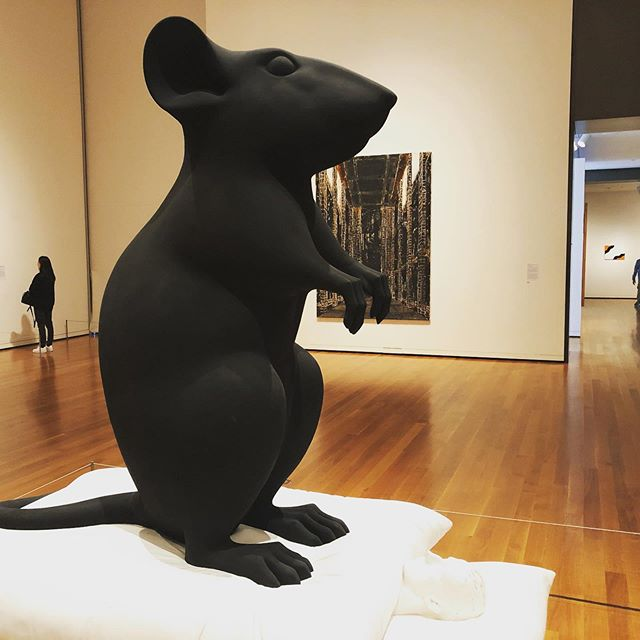 Sensational Seattle. Started high-brow with Seattle Art Museum (giant rat and Mercedes coffins!) slid into low-brow at Museum of Pop (grunge nostalgia heaven for an old boy like me) then finally paid homage (and dollars) at my small but perfectly tailored church - Carhartt. Nice!