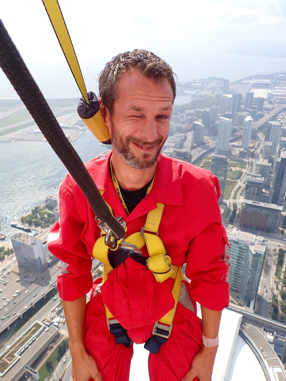 I'm hanging at 356m over Toronto :)
