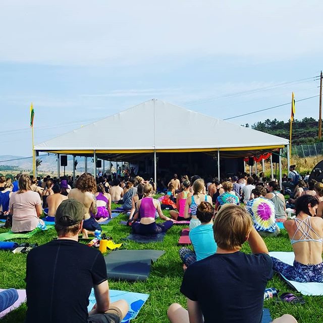 Hope everyone going to #ARISE this weekend has an awesome time!! Be sure to bring your mat for the Yoga Sanctuary 🕉🙏 • • Tbt to last year, my first ARISE Festival experience. 😊