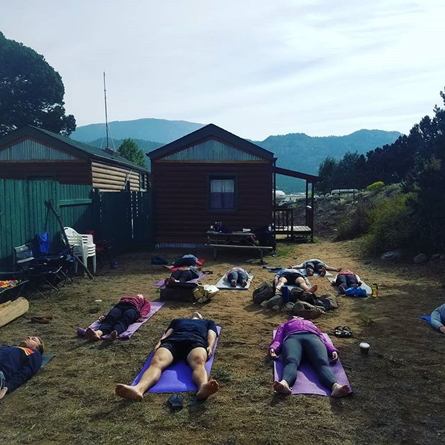 Thinking back on the summer. This class was one of my favorites! At a campground in Buena Vista, celebrating the marriage of some friends 💏💓🏕🕉 Saturday morning kicked off with a 45 minute class before breakfast. Anyone else love to squeeze yoga into your vacation experience? Double tap if yes!!