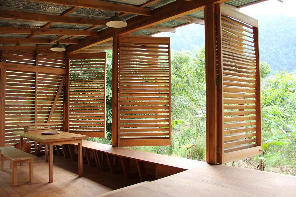 03a Interior 1.JPG