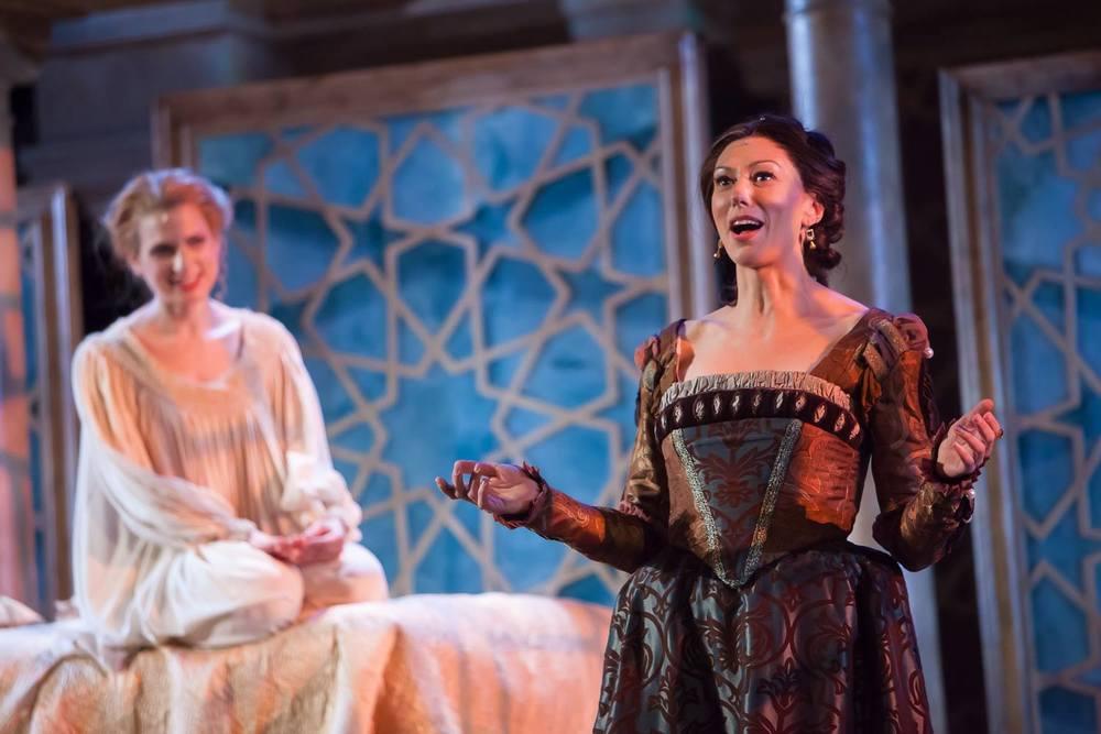 Emilia (Vanessa Morosco) and Desdemona (Laura Baranik)