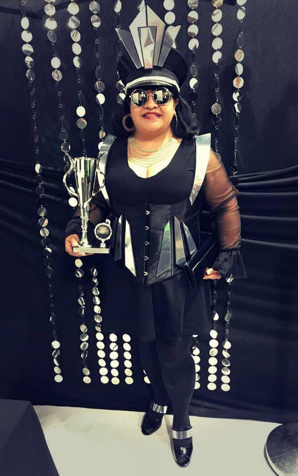 Daahling Best Dressed Trophy  Awards Ball 2017 Los Angeles.jpg