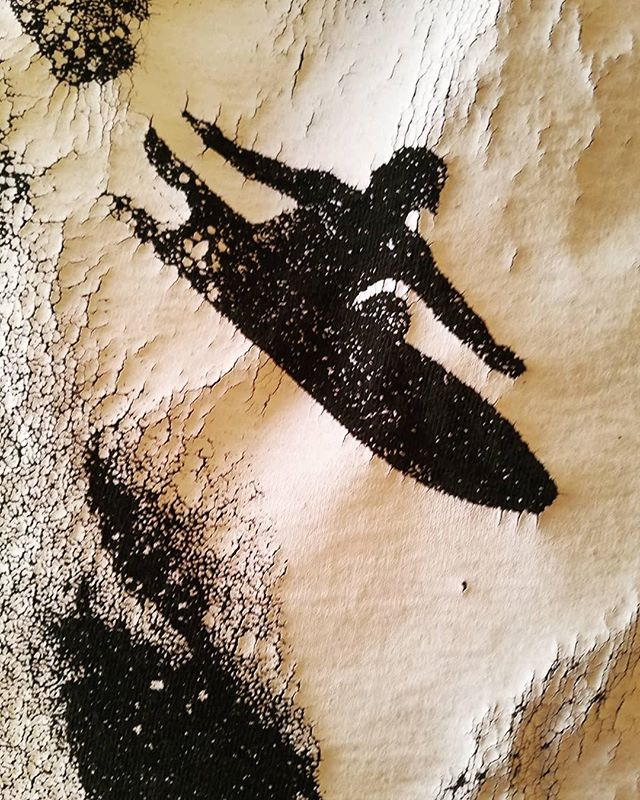 Heavy ink texture on t-shirt. One of snowboardings earliest and most iconic images of Chuck Barfoot. 🎣📷 Tom Sims.  #barfoot #snoboard #swallowtail  #history