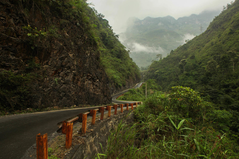 The road just north of Ha Giang town