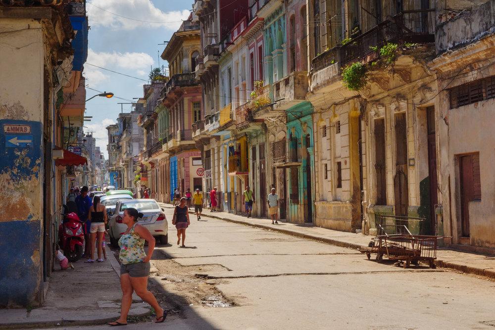 Habana Centro. Photo taken on a Panasonic GH5 and Lumix 12-35 f2.8