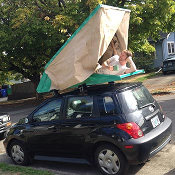 This year also gave me some time invent a little roof top tent!