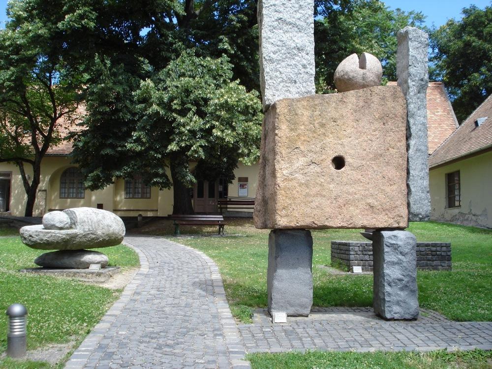 Múzeum Galéria, Pécs, Káptalan u. 4_2.jpg