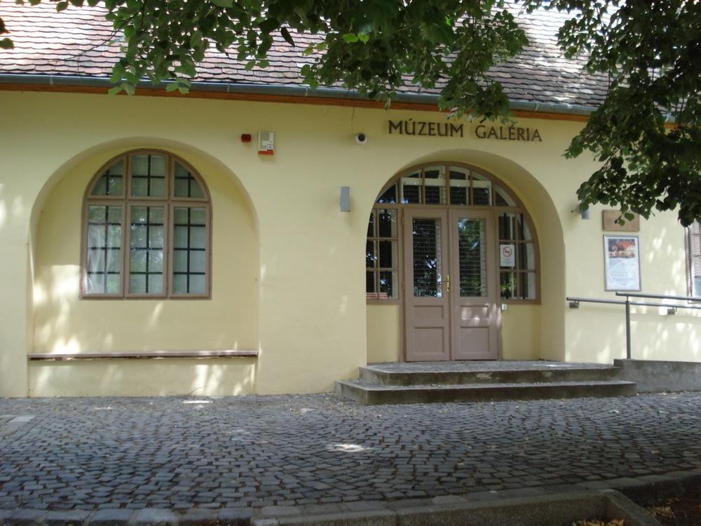 Múzeum Galéria, Pécs, Káptalan u. 4.jpg