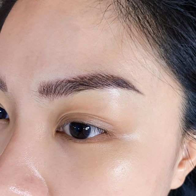 Natural strokes eyebrow micro-blading  #eyebrows #brows #eyebrowembroidery #liptattoo#eyedefine #eyelashextensions #beautysg #beautysalon #sgblogger #microblading #facial #skincare #iplfacial #iplhairremoval #hairremoval #ipl #bridalbeauty #bridal #oxygenfacial #microneedle #beautysg #beautysalon #stemcell #stemcellfacial #beautyblogger #sgbeautyblogger #truthskin