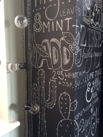 Amazing chalkboard wall art by @artynads