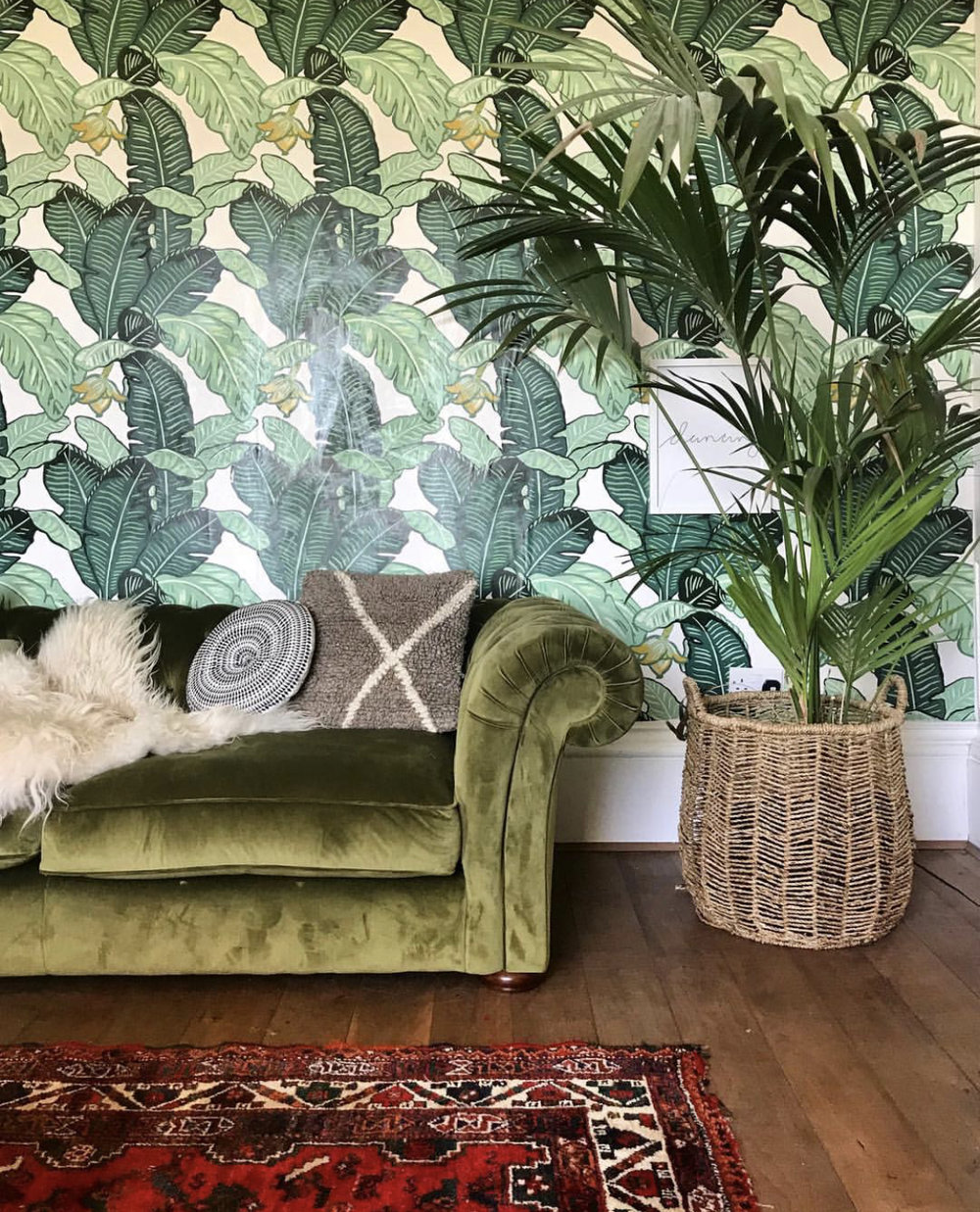 The fabulous Feuiles De Luxe wallpaper from  The Loft & Us .