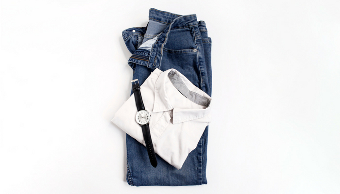 Cute outfits for stay at home moms. Good quality basic items like jeans and a simple shirt can make a super stylish outfit for stay at home moms.