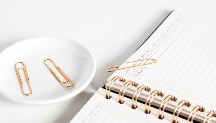Easy decluttering tip - grab your planner and schedule yourself some mini decluttering sessions