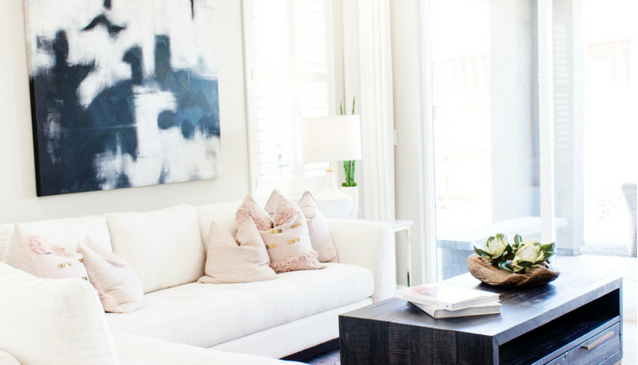 It's hard to get moitvated to blog when you're surrounded by chaos. Get organized at home to feel more motivated to blog.