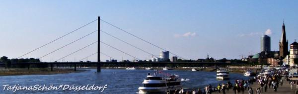 Оберкассельский мост (1977) весом 12.500 тонн был построен рядом со старым мостом и передвинут на 47,50  метров. Самый короткий мост в Дюссельдорфе - 615 метров.