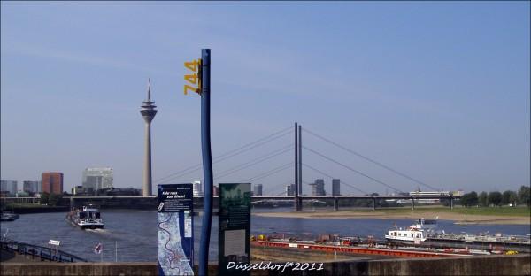 Мост Рейнское колено (1967). Самый длинный мост Дюссельдорфа -1.519 метров.