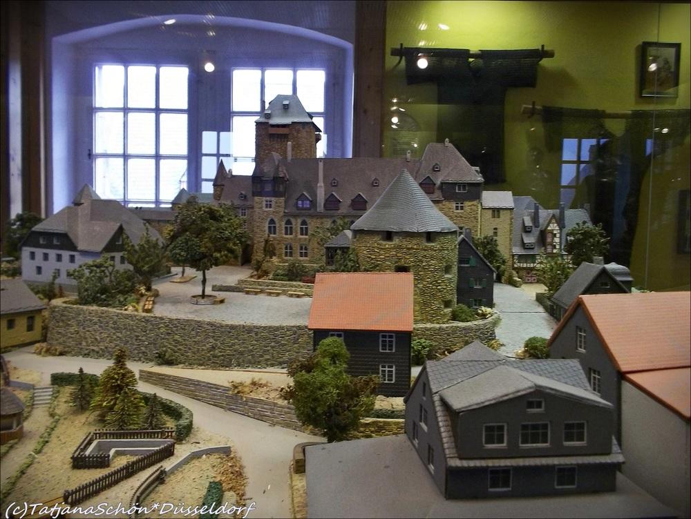 Макет замка Шлосс Бург в музее, расположенном в замке